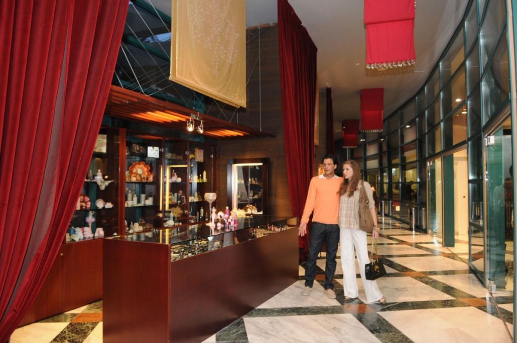 Καταστήματα Club Hotel Loutraki